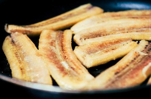 Как жарить бананы?