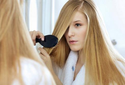 Что делать, если выпадают волосы на голове?