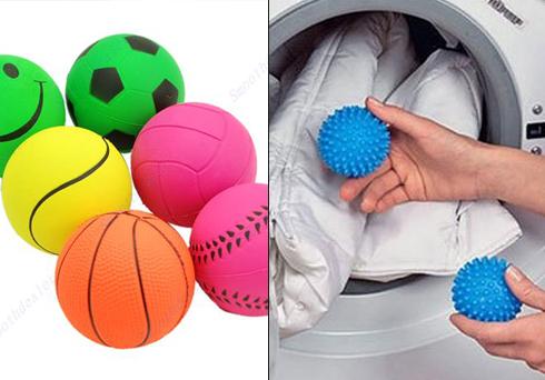Для стирки пуховика нужно использовать мячики