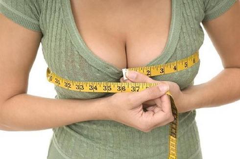Массажные методики позволят немного увеличить грудь