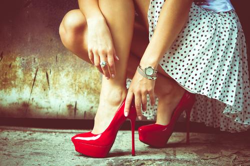 Высокие каблуки вошли в моду лишь в прошлом столетии