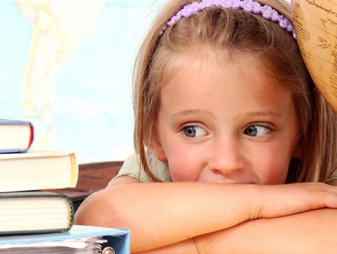 В возрасте 3-5 лет у малышей появляются выдуманные страхи