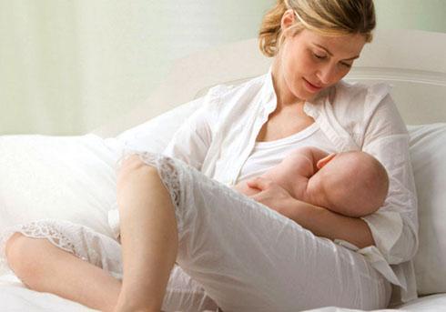 Отучение ребенка от груди в два этапа