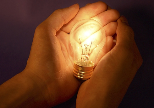 У лампы накаливания короткий срок службы