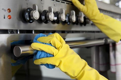 Химический средства очень эффективно удаляют ржавчину