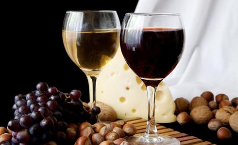 Что полезнее: красное или белое вино?