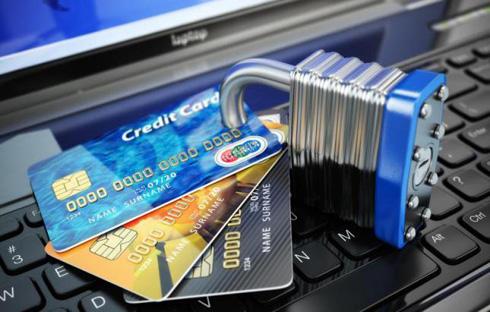 Банки защищают клиентов и их карты разными способами