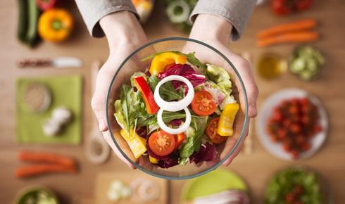 Для избавления от депрессии следует изменить стиль питания на правильный