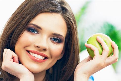 Яблоко для отвлечения чувства голода