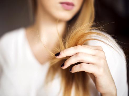 Как состричь секущиеся кончики волос?