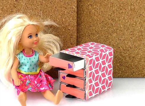 Как сделать комод для кукол своими руками?