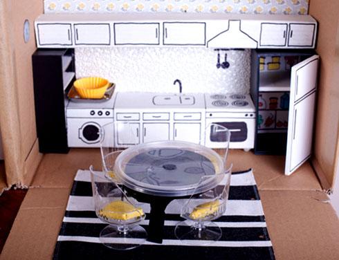 Как сделать мебель для кухни кукол своими руками?