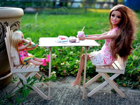 Как сделать кукольную мебель?