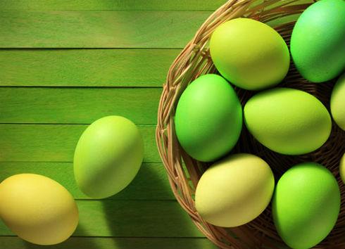 Как покрасить домашние яйца?