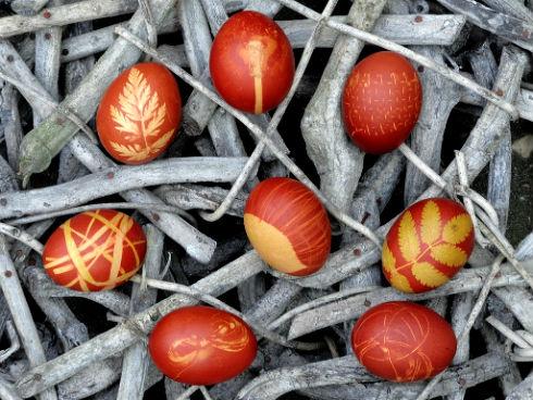 Как покрасить яйца самостоятельно?