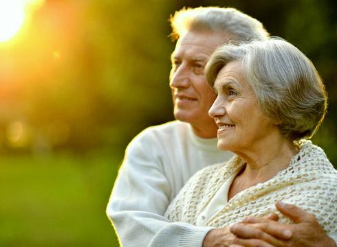 Как выбрать подарок на рубиновую свадьбу родителям?