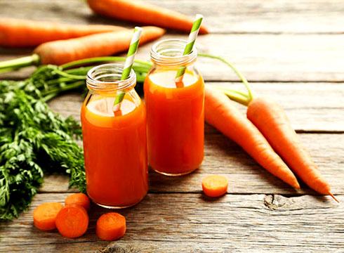 Морковный сок для цвета лица
